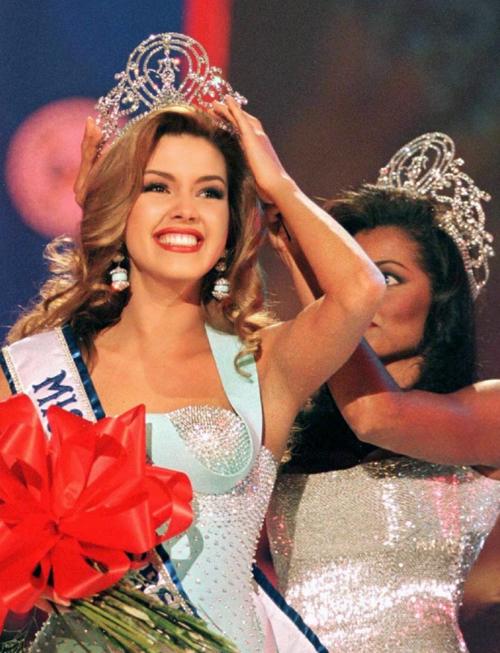 10 Hoa hậu Hoàn vũ nổi bật nhất mọi thời