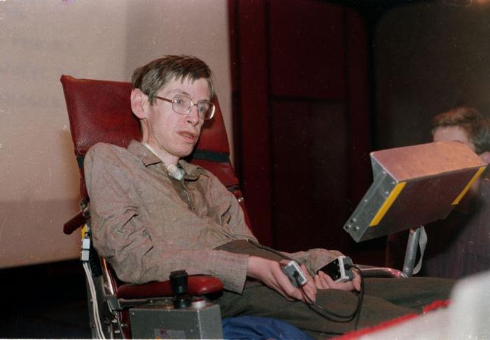 Stephen Hawking - thiên tài truyền cảm hứng - Ảnh 3.